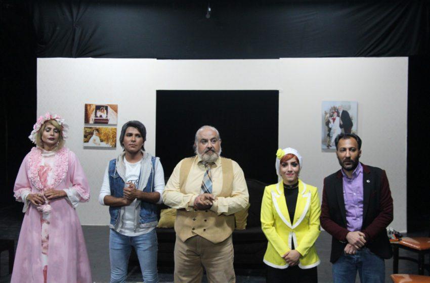 """گزارش شرجی از اجرای نمایش""""حلزون"""" در بندرعباس"""