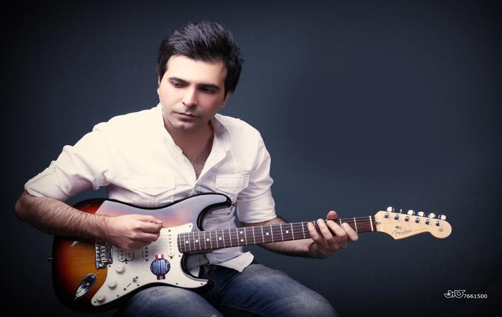 """اجرای زنده ترانه """"بگه تا کی """" توسط حسن اقبالی"""